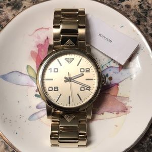 ROXY Gold Watch NWT💛